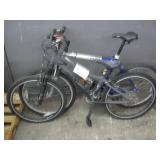 LOT WITH 2 MOUNTAIN BIKES