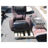 PALLET WITH MASSAGE CHAIR & CARPET