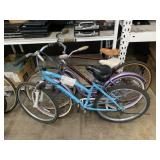 LOT WITH 2 BEACH CRUISERS & 1 GLENDALE BIKE