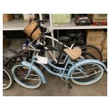 LOT WITH 3 BEACH CRUISERS BIKES