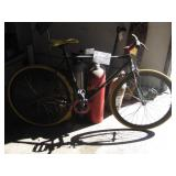 LOT OF 1 BICYCLE:
