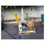 LOT OF INDUSTRIAL FLOOR SCRUBBERS, VACCUM,
