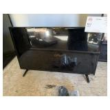 1 VIZIO FLAT SCREEN