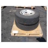 PALLET WITH 2 BRIDGESTONE TRUCK TIRES