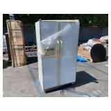 AMANA 2 DOORS REFRIGERATOR WITH ICE MAKER