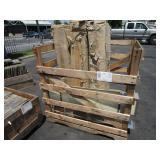 PALLET WITH LUSIVE DECORATIVE LIGHTS