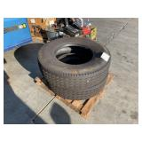 PALLET WITH 2 DUNLOP TRUCK TIRES