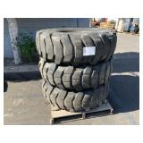 PALLET WITH 3 MICHELIN TRUCK TIRES
