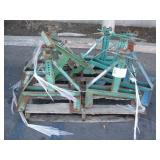 PALLET OF SCREW TYPE REEL STANDS