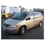 (DEALER ONLY/DMV FEES)2003 CHRYSLER TOWN & COUNTRY