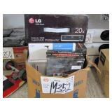BOX OF ASSORTED ELECTRONIC GOODS