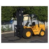 CATERPILLAR RC60 ROUGH TERRAIN FORKLIFT: 6,000 LB