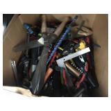 1 LOT OF MISCELLANEOUS HAND TOOLS