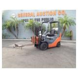 TOYOTA 8FGCU20 2 STAGE FORK LIFT  PROPANE POWERED
