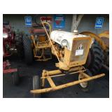 INTERNATIONAL CUB TRACTOR  1975 HH  HARVESTER
