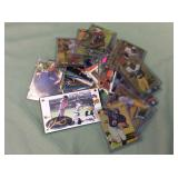 1 BAG WITH SPORTS TRADING CARDS