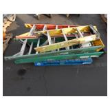 1 LOT OF STEP LADDERS W/ TOOL TRAYS