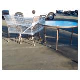 SET OF 4 PATIO TABLE CHAIRS WITH GLASS TABLE TOP