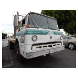 1972 FORD D8000