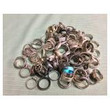 1 BAG WITH SILVER TONE RINGS