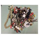 1 BAG WITH JEWELRY