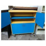 Rolling shop cabinet
