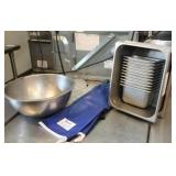 13 hotel pans, Stainless steel bowl, hot mitts