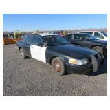 2005 Ford Crown Victoria Police Interceptor Sedan