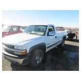 2000 Chevrolet Silverado 2500 Base Pickup