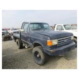 1990 Ford F-350 XLT Lariat Spray Tug