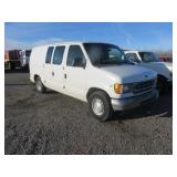 2001 Ford E-Series Cargo E-150 Full-Size Van