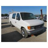 (DMV) 2005 Ford E-Series Cargo E-350 SD Full-Size