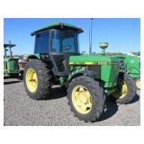 John Deere 2550 Wheel Tractor