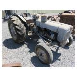 Ford 200 Wheel Tractor