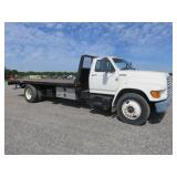 1997 Ford F800 with Rollback Bed