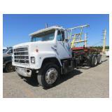 International S2200 Hay Bale Truck