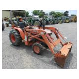 Kubota B8200 Wheel Tractor with Loader Attachment