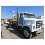 1984 International S2200 Hay Bale Truck