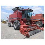 Case International 1660 Axial-Flow Harvester