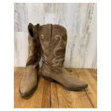ÉMe Too Size 9.5m Cowboy Boots
