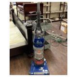 Hoover Rewind Vacuum Cleaner, Powers On