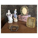 Vintage lot of collectables
