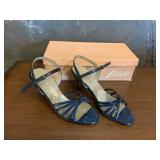Pair of Life Stride Size 7M Heels