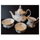 ROYAL ALBERT DINNERWARE SET