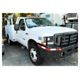 (14203) 2003 Ford F450 -- miles 69144
