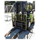 (74504) 1992 Clark Forklift -- hours  1865