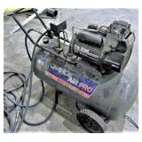 CHARGE AIR PRO 20 Gal Air Compressor