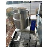 STEAM KETTLE WITH STAND