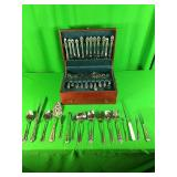Silverware set with box