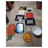 Albums, serving trays, porcelain bowl,